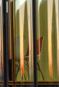Haptocoaching-leeuwarden-spiegeling-in-glas-stoel
